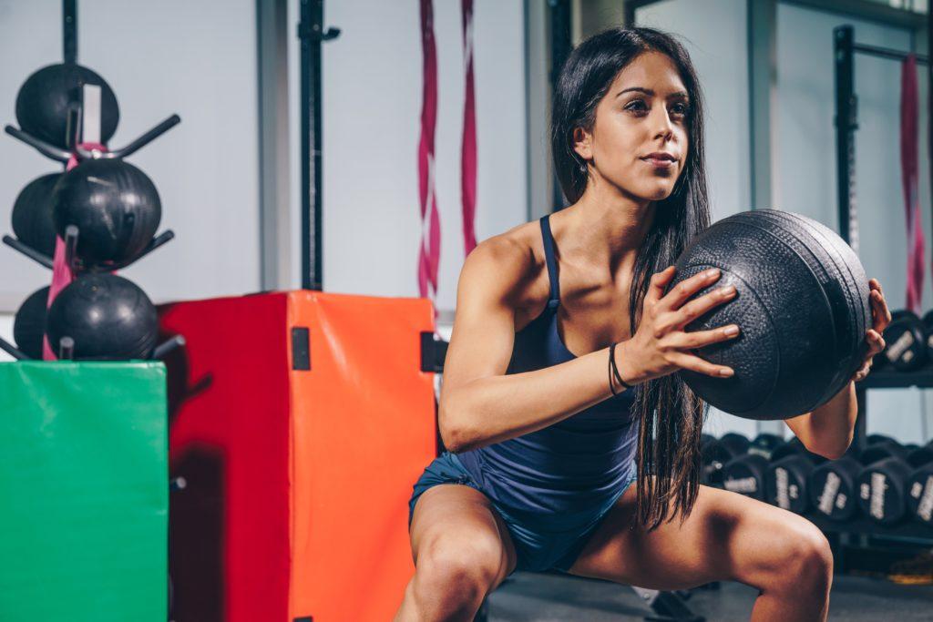 femme fitness santé squat