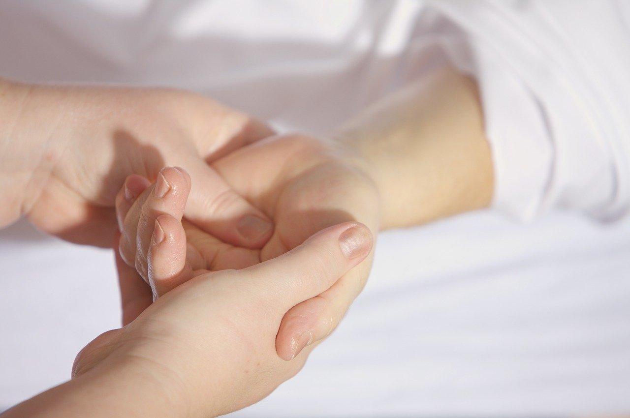 Massage des mains : des bienfaits sur le corps et l'esprit