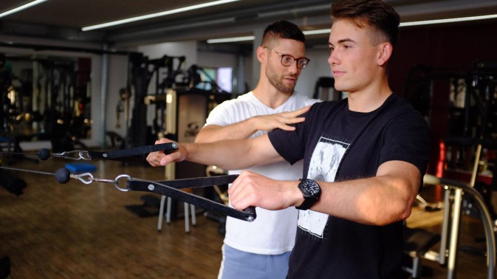 kiné renforcement musculaire travail actif