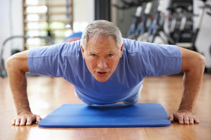 Musculation senior âge commencer sarcopénie