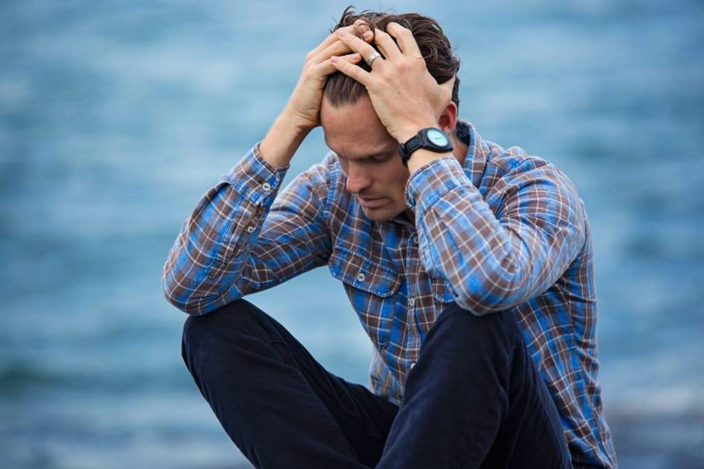 homme stress post traumatique thérapie